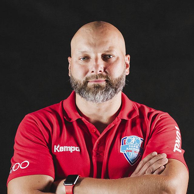 Главный тренер Горбатиков
