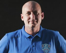 тренер Медведев